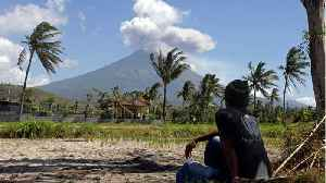 Flights canceled after volcano erupts in Bali [Video]