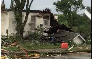Residents Survey Damage After Tornado Rips Through Jefferson City, Missouri [Video]