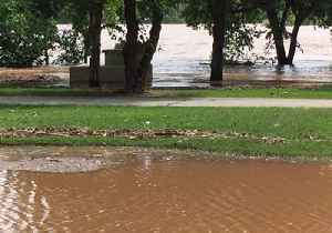 Tulsa Residents Warned of Flooding and Sinkholes as River Rises [Video]