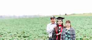 Graduate posts tribute to farm worker parents [Video]
