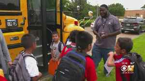 Dallas School Bus Driver Inspiring Students One Ride At A Time [Video]