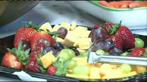 Having a variety of foods at a graduation party can benefit your guests' health [Video]