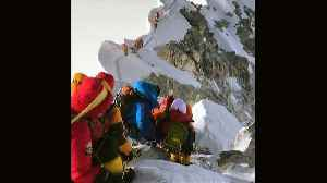 Forming an orderly queue...on Mount Everest [Video]