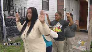 Another Family Says Chicago Police Pointed Guns at Children During Raid, Handcuffed 8-Year-Old [Video]