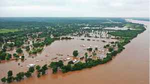 Arkansas, Oklahoma Brace For Historic Flooding In Ravaged U.S. Midwest [Video]