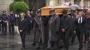 Lewis Hamilton escorts Niki Lauda's coffin at Vienna funeral [Video]