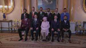The Queen meets captains of Cricket World Cup teams [Video]