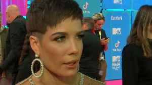 News video: Halsey breaks her toe during jungle rescue mission