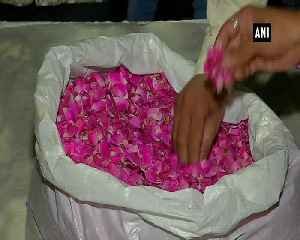 Floral tributes paid to people who lost lives in Surat fire tragedy [Video]