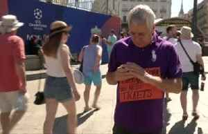 Liverpool and Spurs fans relax before Champions League final [Video]
