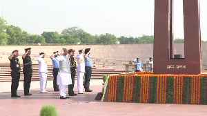 Rajnath Singh visits war memorial before taking over as Defence Minister | Oneindia News [Video]