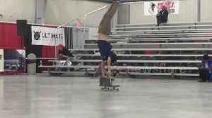 Teenage skater wins competition with incredible two-board trick [Video]