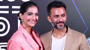Sonam Kapoor with husband Anand Ahuja at GQ 100 Best Dressed 2019 [Video]