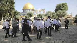 Israeli forces and settlers enter Al-Aqsa Mosque compound [Video]