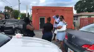 'Flash mob' supports West Palm Beach restaurant where worker tested positive for hepatitis A [Video]