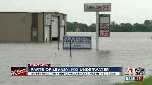 Emergency officials continue to monitor floodwaters in Levasy, Missouri [Video]