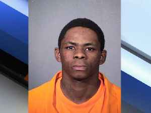 PD: Man arrested for robbing convenience store with scissors - ABC15 Crime [Video]