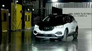 Opel goes electric - Opel presents new Grandland X PHEV [Video]
