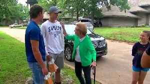 4 teens rush into burning home to rescue 90 year old [Video]