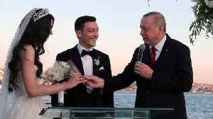News video: Turkish President Erdogan Takes On Role Of Witness For Mesut Ozil's Wedding