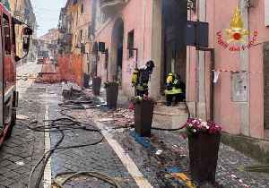Children Among Wounded After Explosion Destroys Town Hall in Rome Suburb [Video]