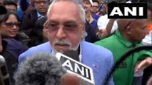 Crowd chants 'chor hai' as Vijay Mallya leaves stadium post India vs Aus match [Video]
