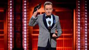 Bryan Cranston praises journalists after winning Tony Award [Video]