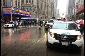 Manhattan Helicopter Crash Sparks Evacuations and Street Closures [Video]