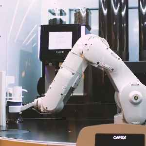 Coffee shop uses robots to take your order and serve gourmet coffee [Video]