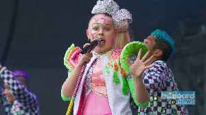 JoJo Siwa's New Makeup Kit for Tweens Has Been Recalled by Claire's | Billboard News [Video]