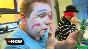 They take clowning seriously at Niagara Clown Alley's clown school [Video]