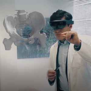 Surgeons use VR software to practice before operating [Video]