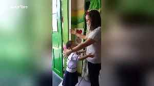 Phillipines teacher has the cutest system ever for greeting students [Video]