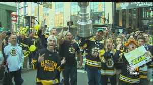 Large Crowds Outside TD Garden For Stanley Cup Final [Video]