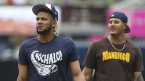 T-shirts one way Padres keep clubhouse loose [Video]