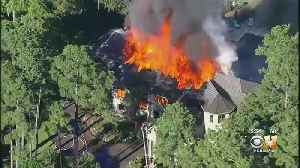 Fire Destroys 10,000-Square-Foot Texas Mansion [Video]