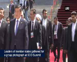 PM Modi shares stage with world leaders for group photograph at SCO Summit [Video]