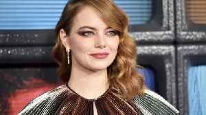 Emma Stone finally meets idol Emma Bunton at Spice Girls concert [Video]