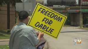 Supporters Rally In Dallas In Defense Of Darlie Routier [Video]
