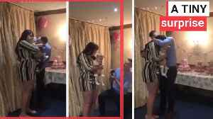 Dad of Britain's tiniest baby proposes to mum [Video]
