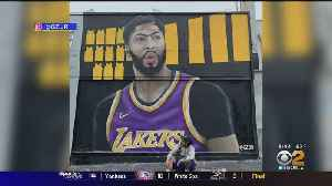 Artist Works Overnight With Mural Welcoming New Lakers Superstar [Video]