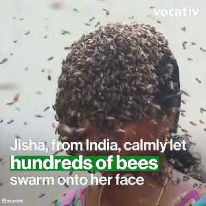 Indian Female Beekeeper Covers Her Face with Honeybees to Raise Awareness to Bee Extinction [Video]