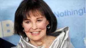 News video: Gloria Vanderbilt, Fashion Icon and Mother To Anderson Cooper, Dead At 95