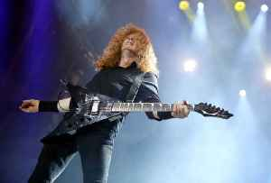 News video: Megadeth's Dave Mustaine Announces He Has Throat Cancer