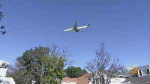 Lawmaker Makes Agreement With FAA To Combat Noise From Low-Flying Planes Over Long Island [Video]