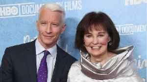 U.S. Fashion Icon Gloria Vanderbilt Has Died At the Age Of 95 [Video]