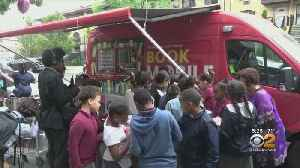 New York Public Library's Bookmobile Returns To The Streets [Video]