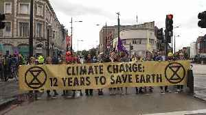 Activists stage climate protest in London [Video]