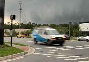 Shelf Cloud Rolls Over Florida Amid Severe Weather Warnings [Video]