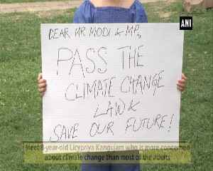 8-year-old girl stands outside Parliament premises to draw PM Modis attention towards climate change [Video]